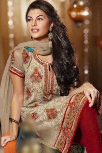 Traditional Pakistani Salwar Kameez Fashion.