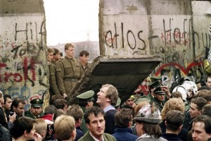 berlin-wall-security